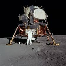 luna module on moon